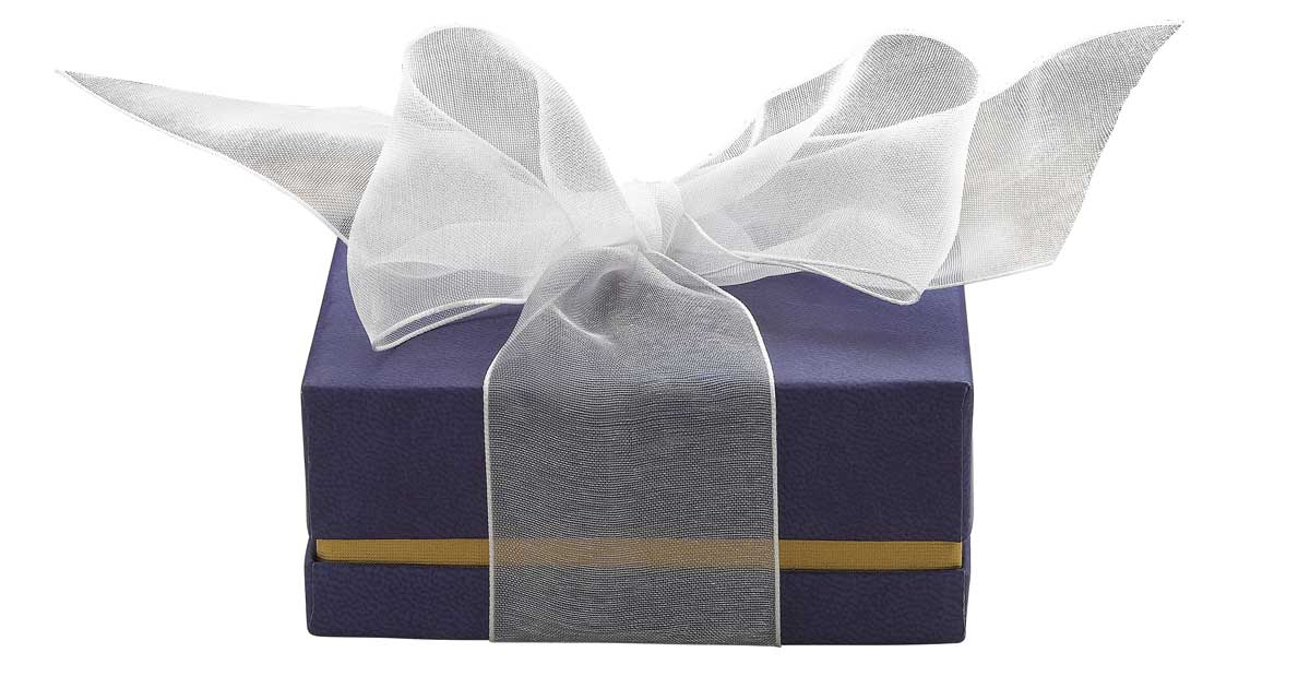Give a pearl birthstone gift to June babies with an Add-A-Pearl gift.