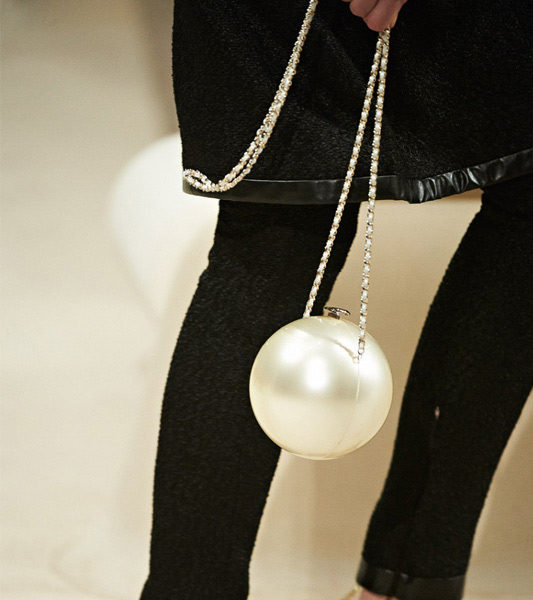pearl clutch from Chanel Cruise 2015