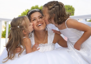 Honor your Flower Girls with the gift of Add-A-Pearl!