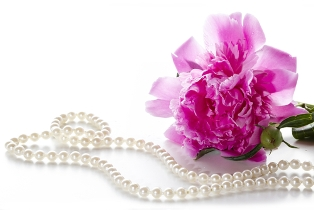 Add-A-Pearl necklace for mom
